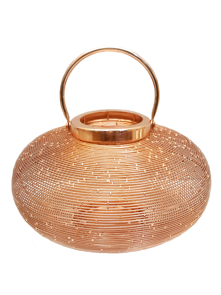 Lanterna com forma oval.