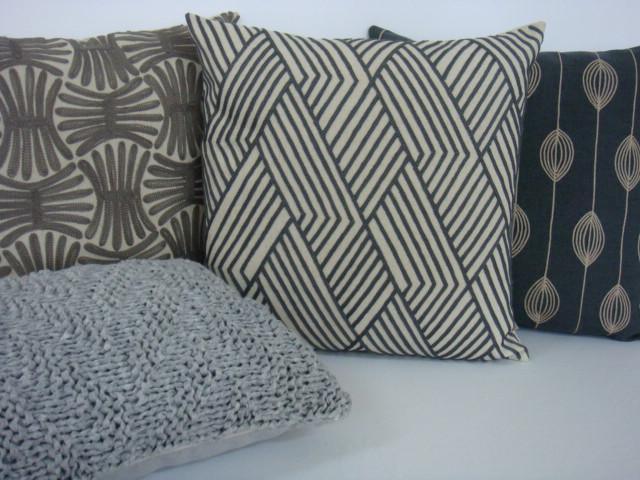 Almofadas bordadas