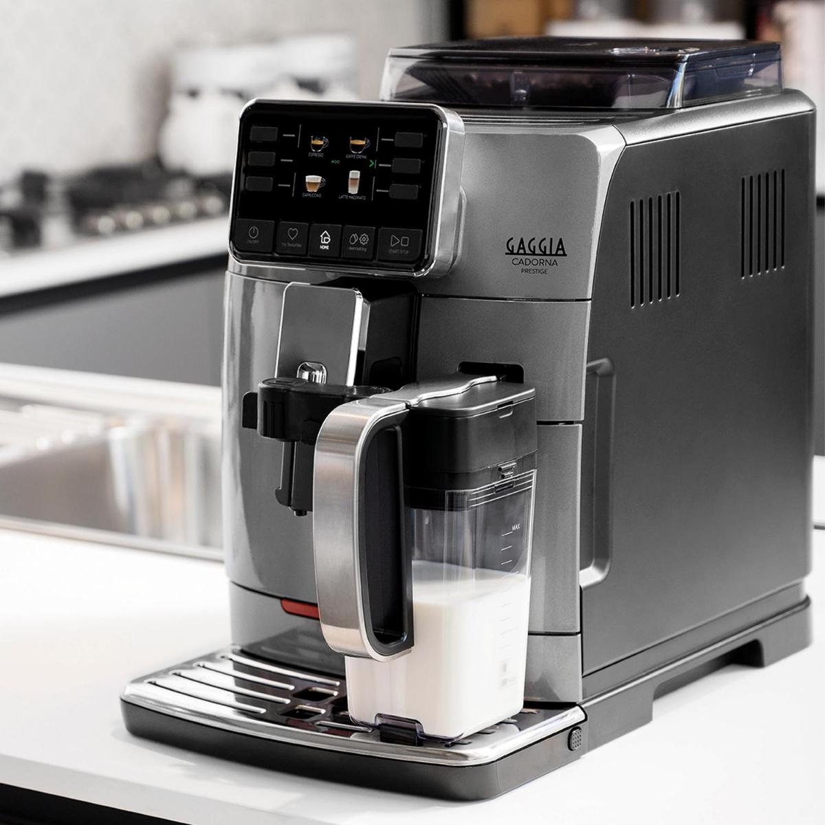 A Cafeteira que representa a mais alta tecnologia. Proporciona a liberdade de escolha no preparo de até 14 bebidas e memoriza até 4 perfis de usuários para sua bebida favorita!