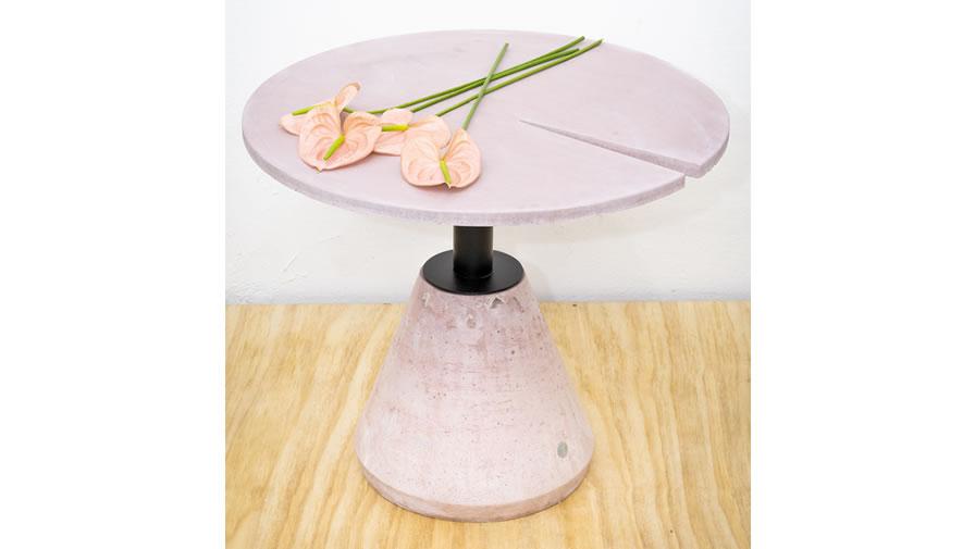 Mesa Minuto Rosa (disponível em diferentes cores, diâmetros e alturas)