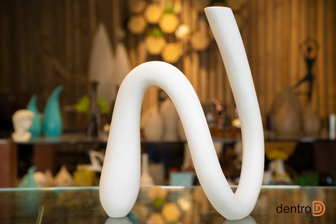 Escultura Minimal, uma obra de arte do artista César Justen.