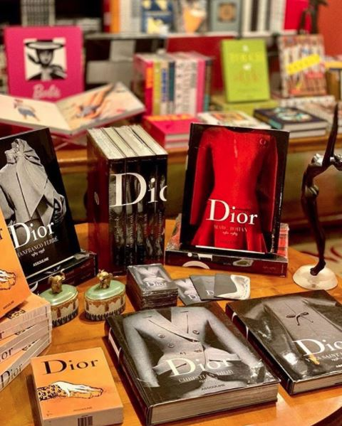 Livros: Dior by Marc Bohan, Dior By Christian Dior, Dior By Yves Saint Laurent, Dior By Gianfranco Ferré.