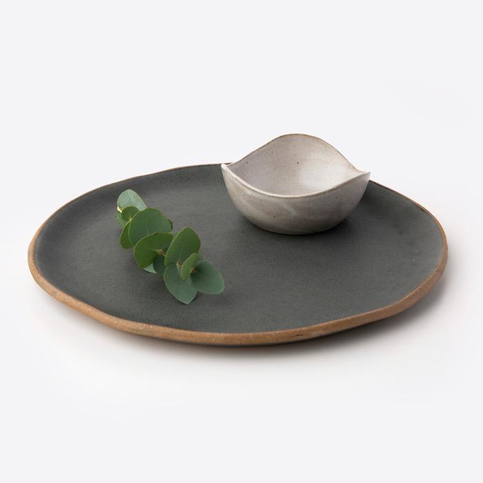 Prato Orgânico Preto e Bowl Onda Branco