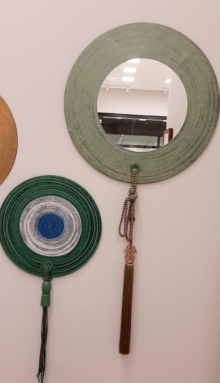 Esculturas de Parede com espelho e pingentes