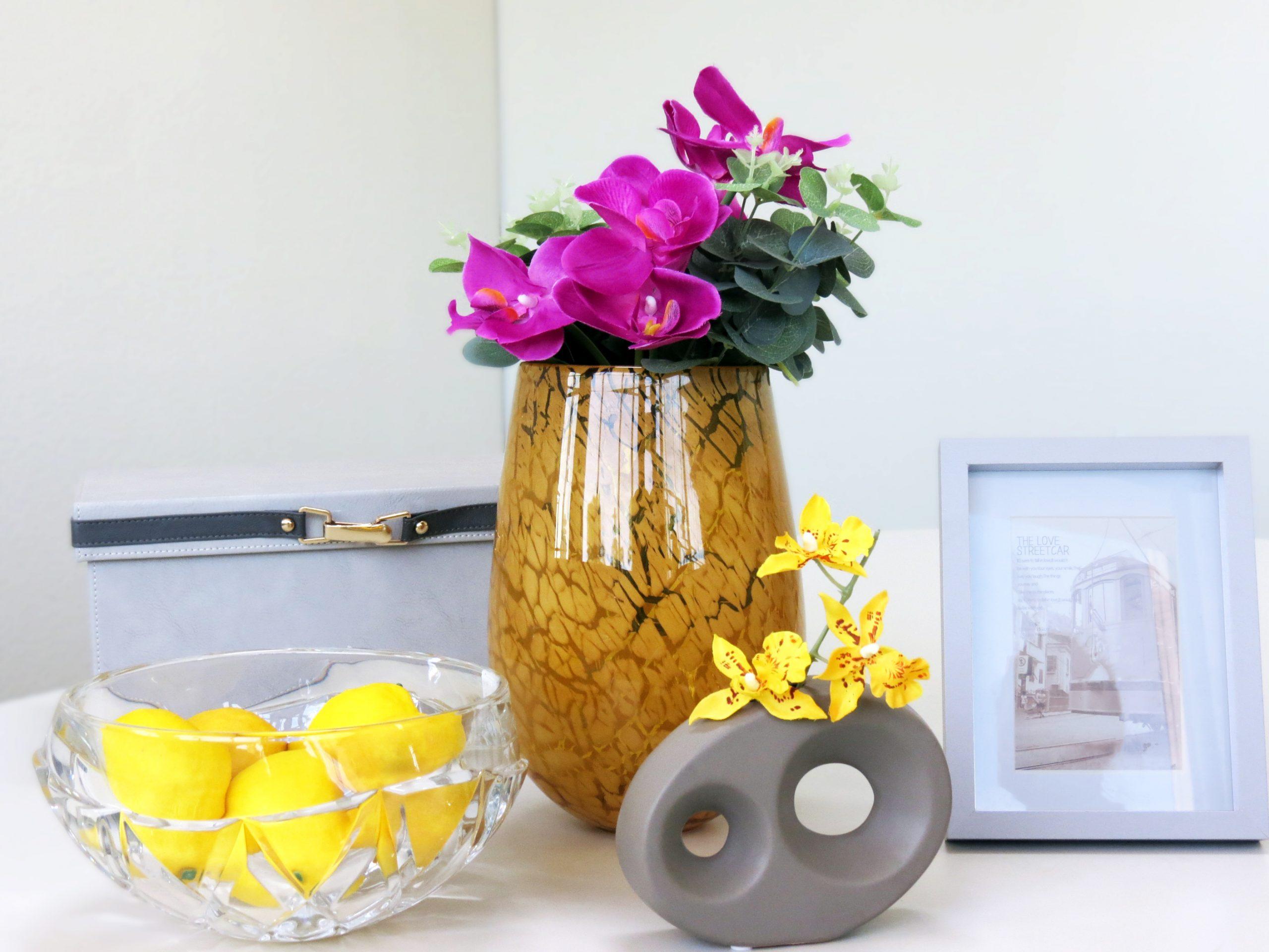 Foto ambientada do vaso