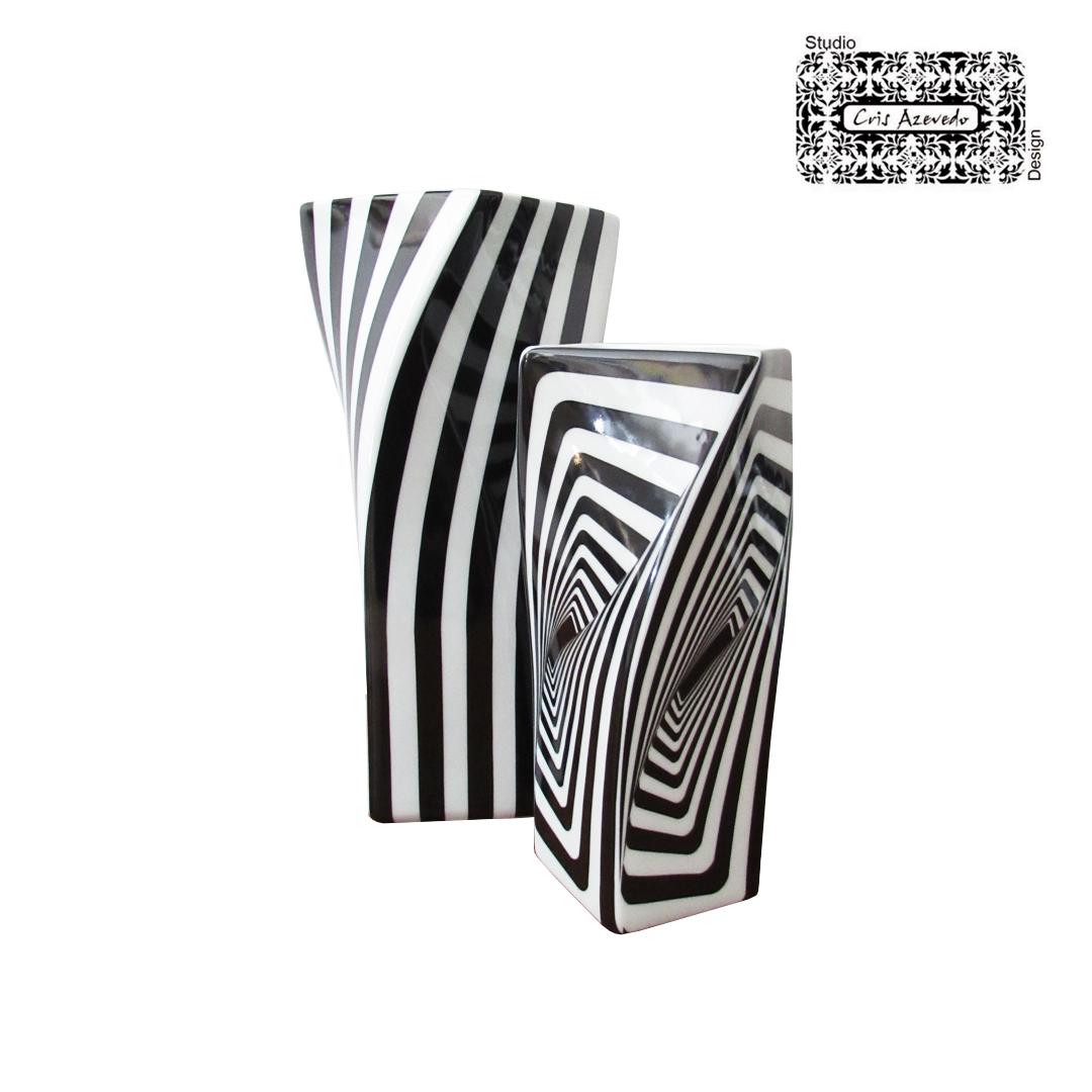 Duo de Vasos Decorados Listas e Quadrados em Porcelana