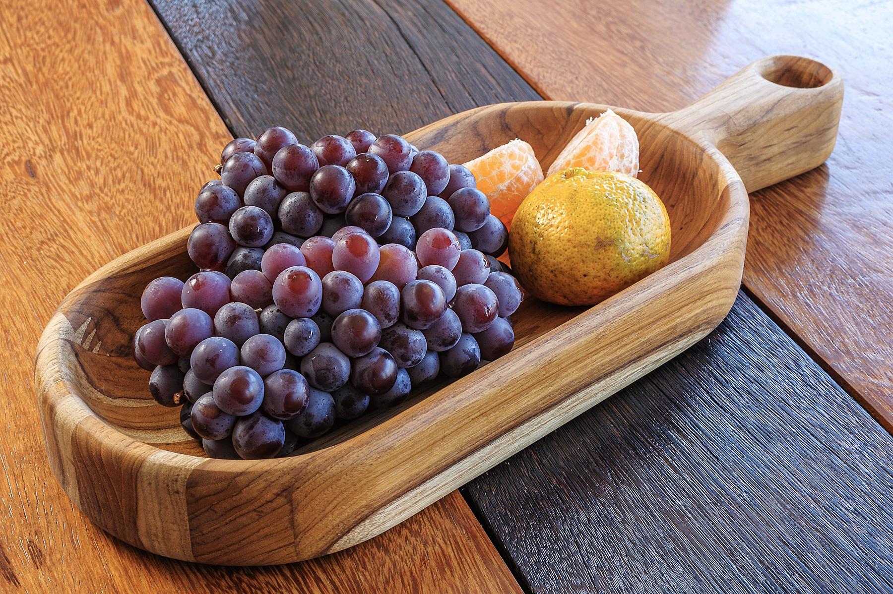 Gamela em Madeira Teca com frutas